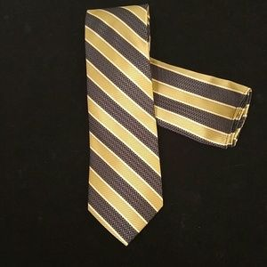 MEN'S STACY ADAMS TIE AND POCKET SQUARE SET